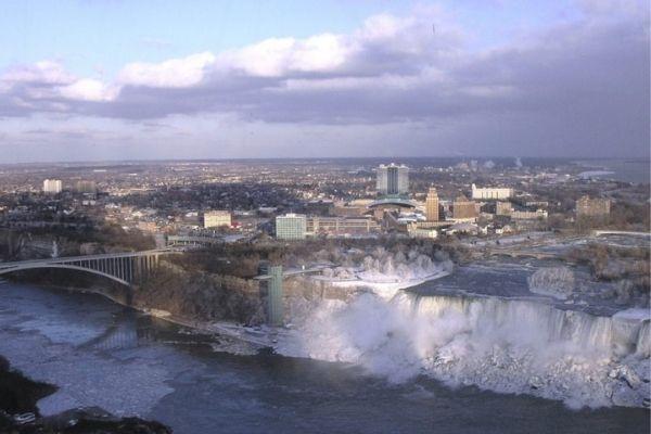 Niagara Falls casinos assess reopening